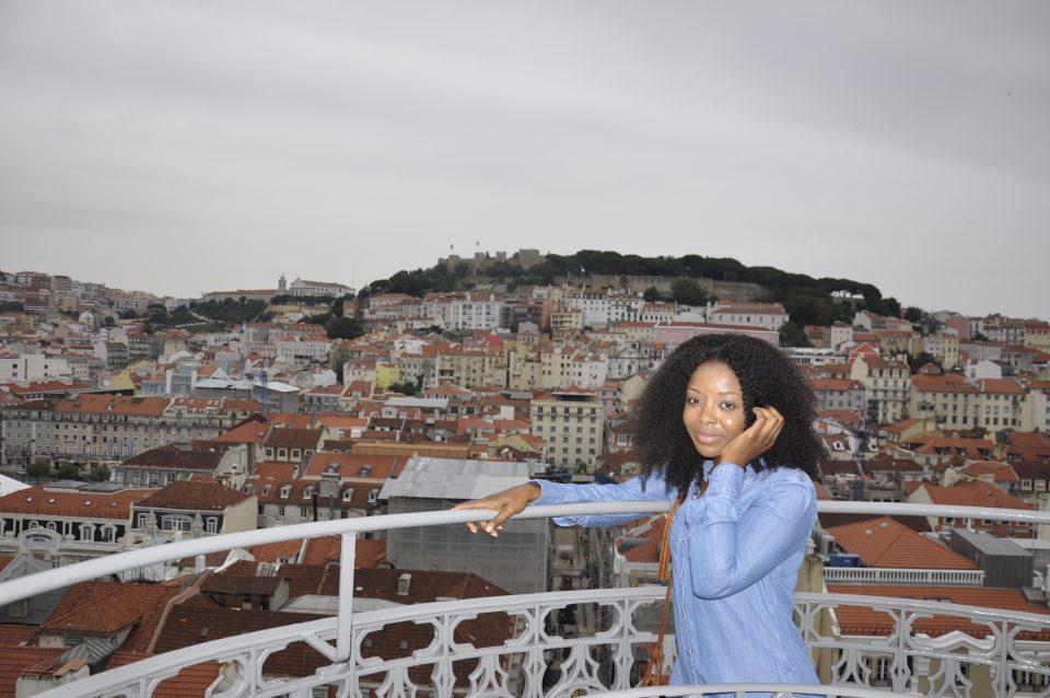 ElevadordeSantaJusta,Tram28,SunnyInEveryCountry,Portugal,Lisbon,Lisboa,Europe,Travel,TravelTips,TravelGuide